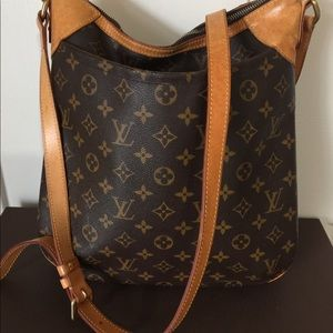 Louis Vuitton odeon Mm size